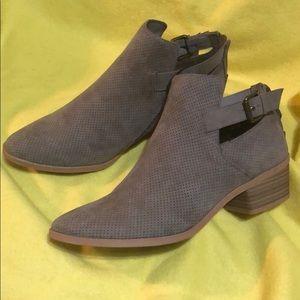 DV Shoes NWT